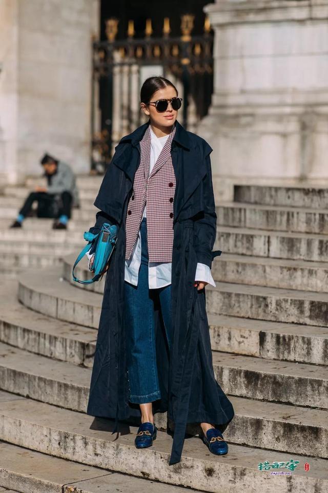 大衣怎么叠穿外套?