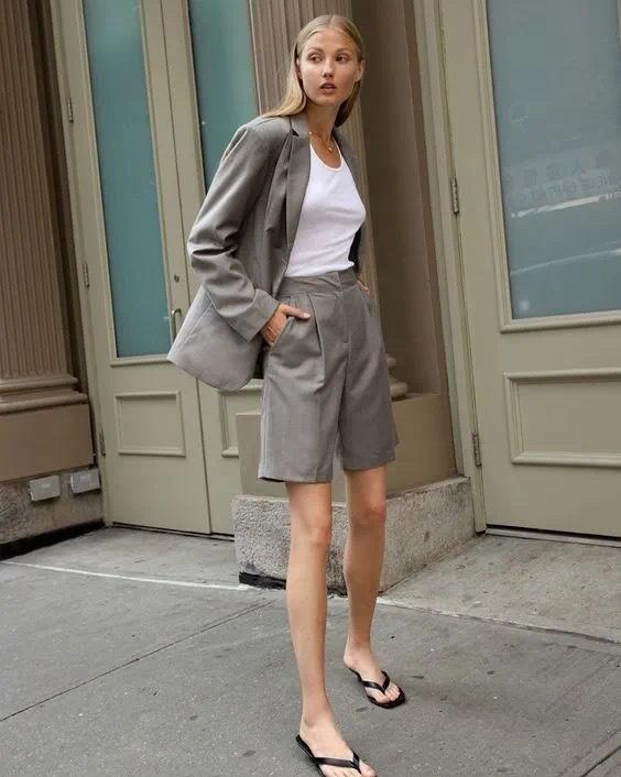 今年超火的百慕大短裤,显瘦又减龄,腿粗女孩也照样能穿!