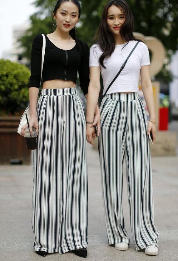 夏天裤子和裙子怎么穿搭?