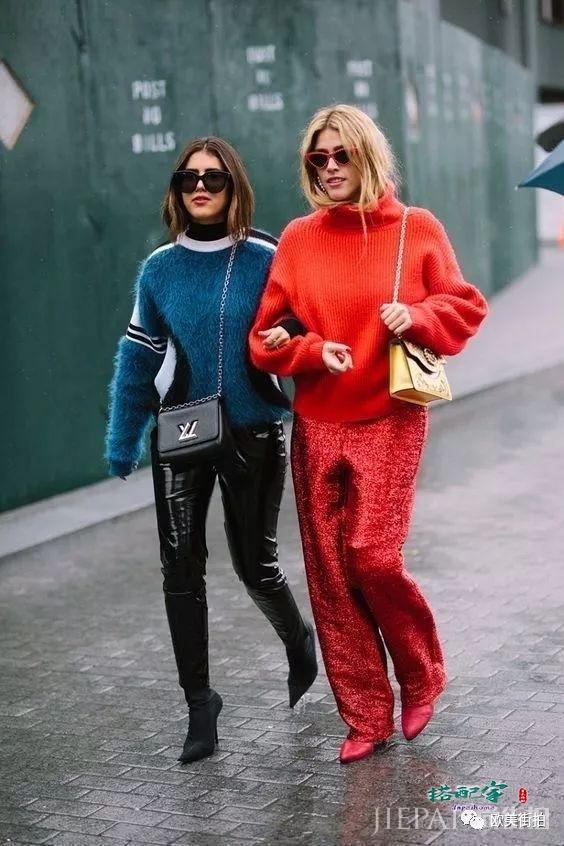 欧美街拍 秋冬穿搭彩色毛衣不能少!