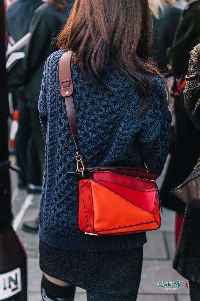 红色包包穿搭衣服图片