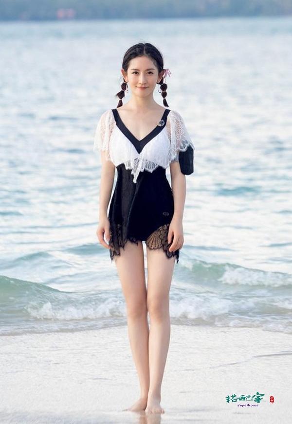 谢娜海边拍照阳光治愈,身材却暴露真实现状,网友:瘦的让人心疼