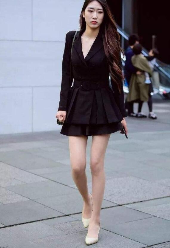 高个子女生穿短裙好看吗?