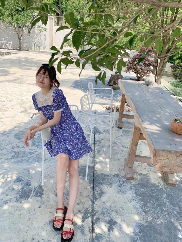 张子萱真拼,卖泳衣亲自试穿,火辣身材一点不像产后3个月妈妈