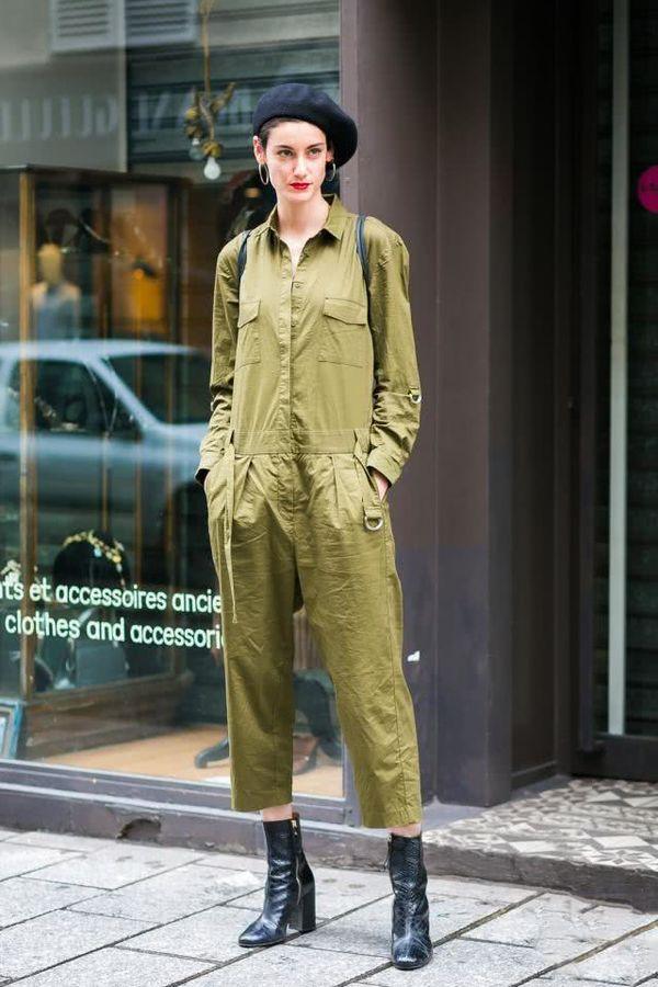 阔腿裤已经过时了,今年流行工装连体裤,上身简直不要太飒!