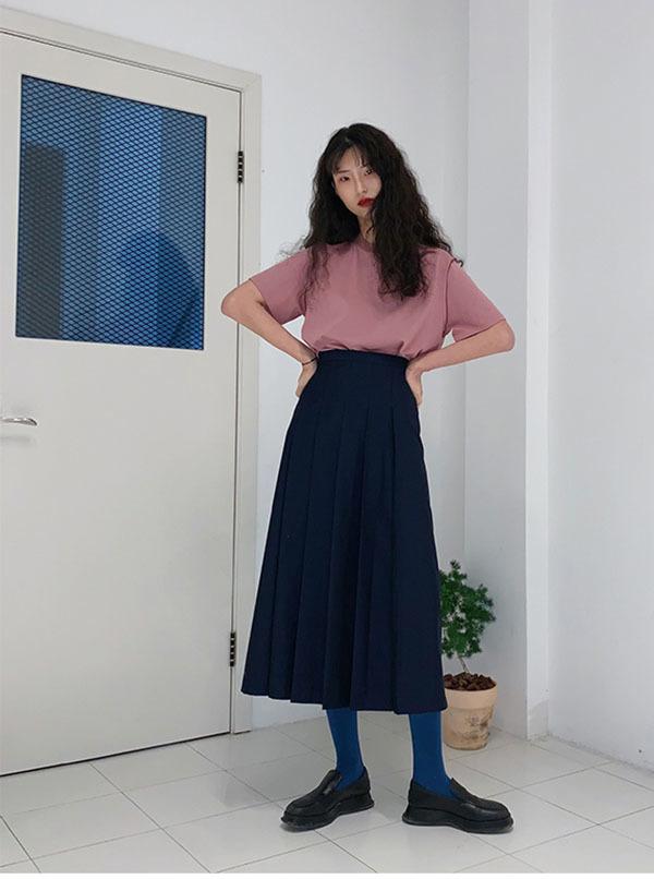 百褶裙怎么穿好看?不同身材有不同款式,看看这四款别再盲目跟风