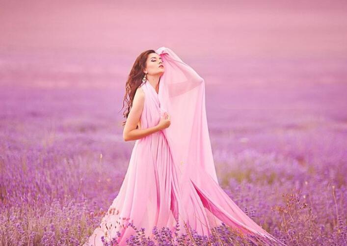 穿什么颜色的裙子有气质?