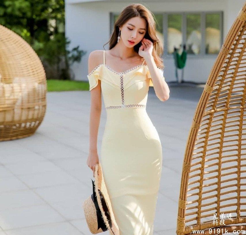 美丽的她展现独特韵味,黄色裙子让她扔有了高贵气质_