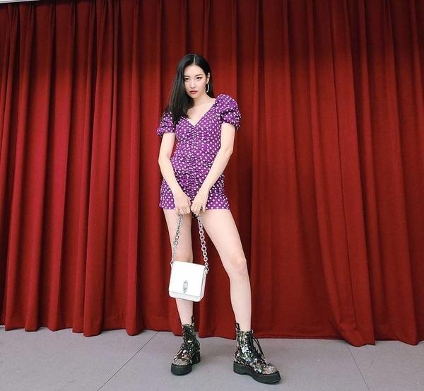 5套明星同款紫色系穿搭,好看又平价,平民窟女孩也能放心入!