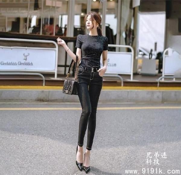 优雅时尚紧身牛仔裤,秀迷人美腿,百搭显身材穿出不一样的美_