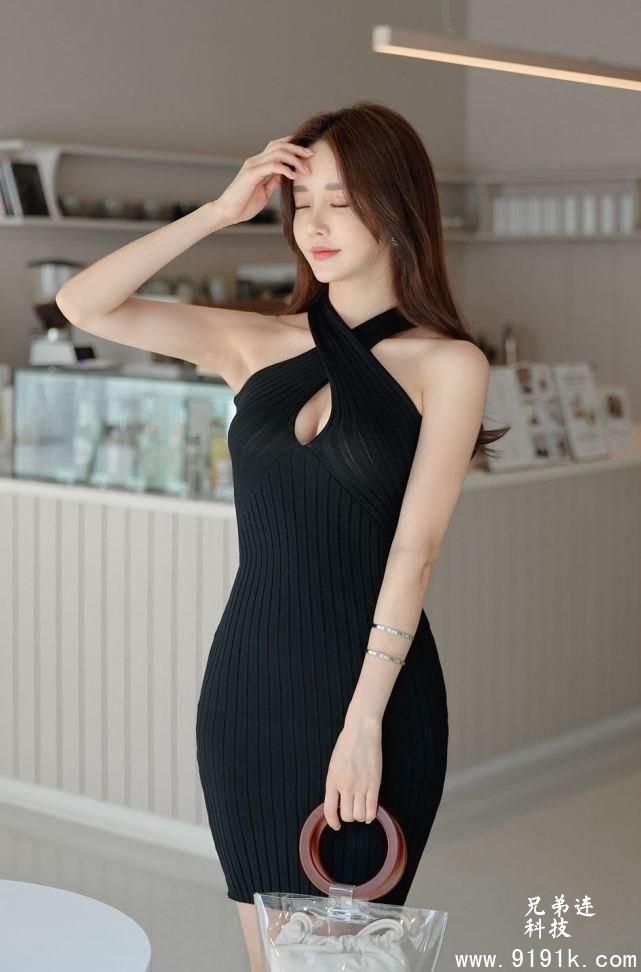 交叉绑带连衣裙,修身显瘦尽显成熟知性_